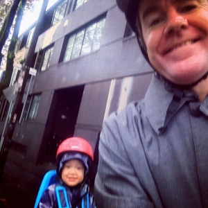 veloaporter cycling with kids cycling in the rain stylish cycling yakkay