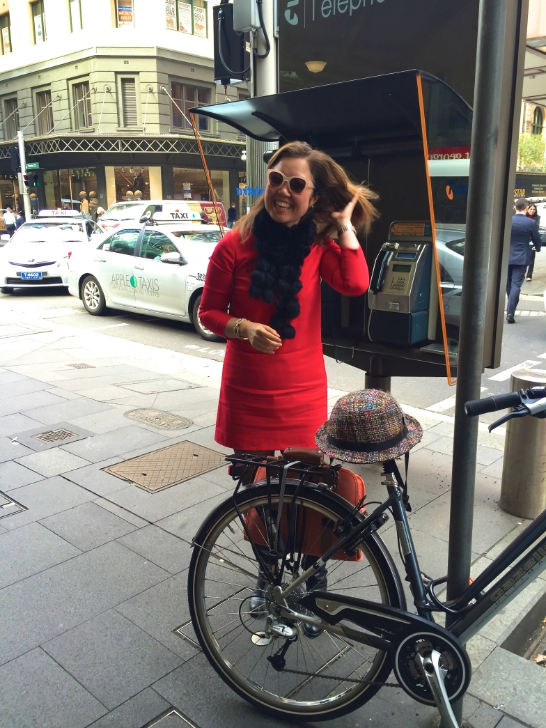 velaporter cycling with style cycling in boots cycling in heels cycling in a dress barriers to women cycling