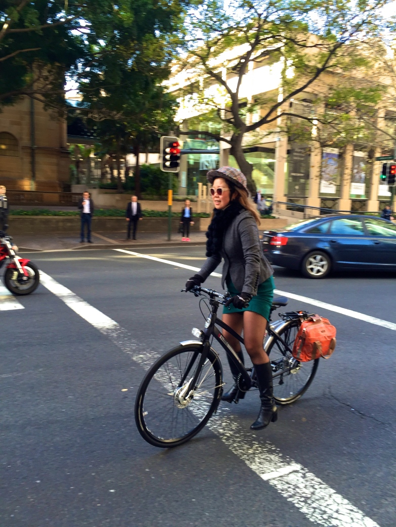 veloaporter po campo cycling with style stylish cycling bicycling in a dress bicycling in heels bicycling in a skirt