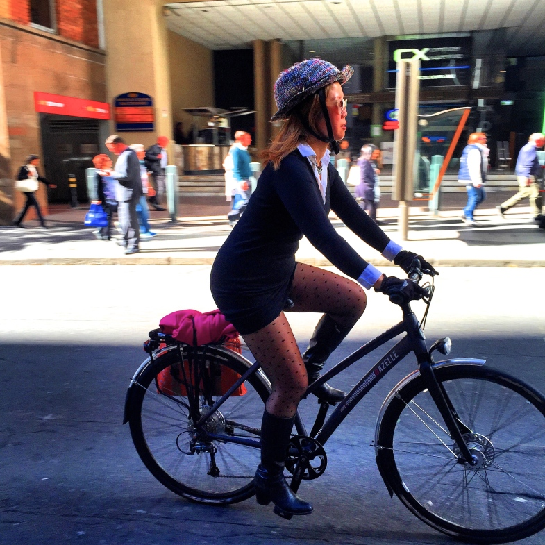 veloaporter women on bicycles bicycling in heels bicycling in a dress bicycling stylishly cycling with style cycling in heels cycling in a dress