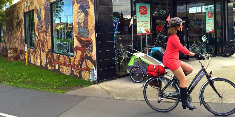 veloaporter bicycling in heels bicycling in a dress bicycling in a skirt bicycling with style