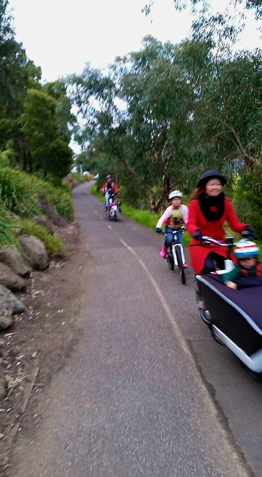 veloaporter cycling with kids stylish cycling
