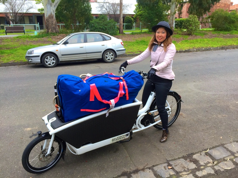 veloaporter stylish cycling cycling in heels women on bicycles Urban Arrow cycling with kids