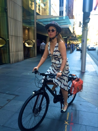 veloporter Manning Cartell women on bicycles cycling with style cycling in heels cycling in a skirt cycling in a dress