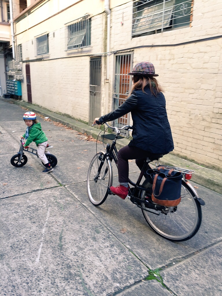 Incentive and E-bikes Balance Bike veloaporter