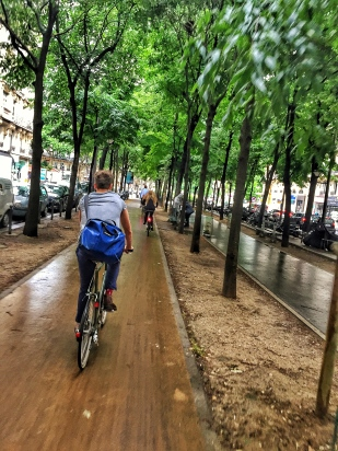 Commuting in Paris